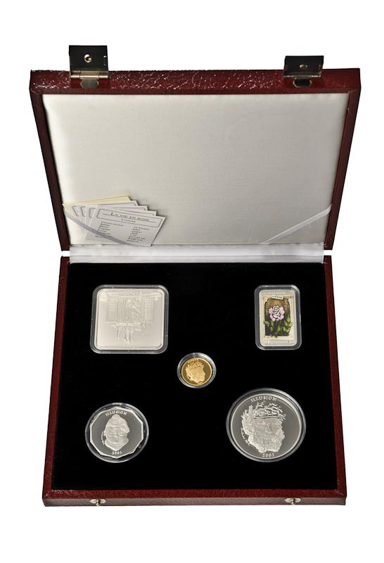 coin set: 4 silver 1 gold